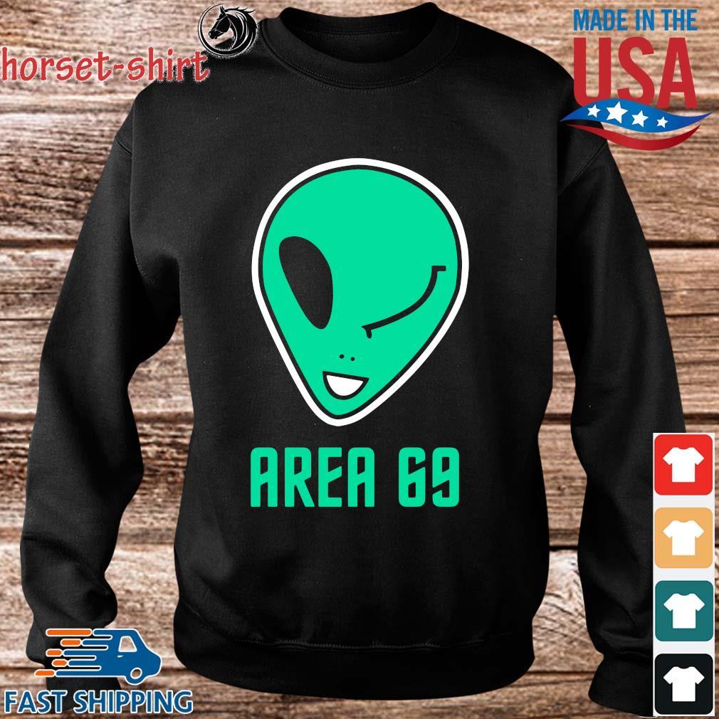 Winking Alien Joke Area 69 Shirt Sweater den